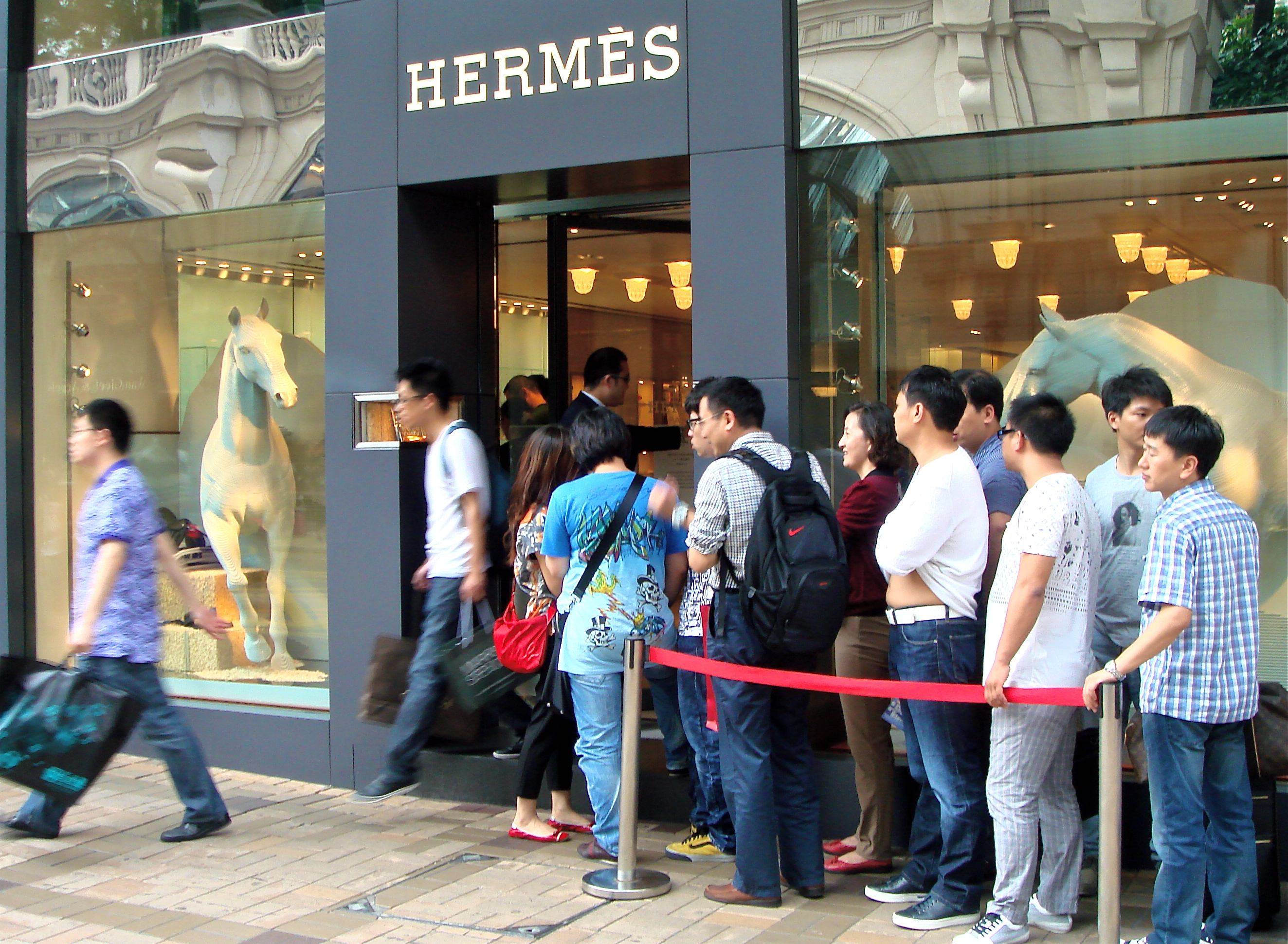 online shopping among people in hong Shop the official site - abercrombie & fitch is the original apparel and lifestyle   in stores & online  online price reflects discount  people wearing a&f.
